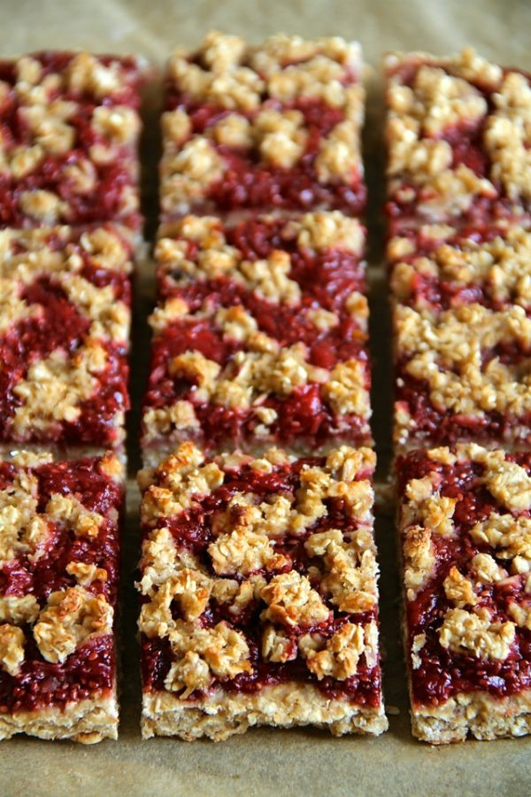 Strawberry Banana Oat Bars – Perfect time of year for baking with ...
