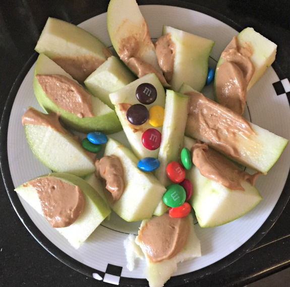 apple with peanut butter and m&m's
