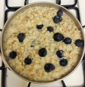 oatmeal with blueberries