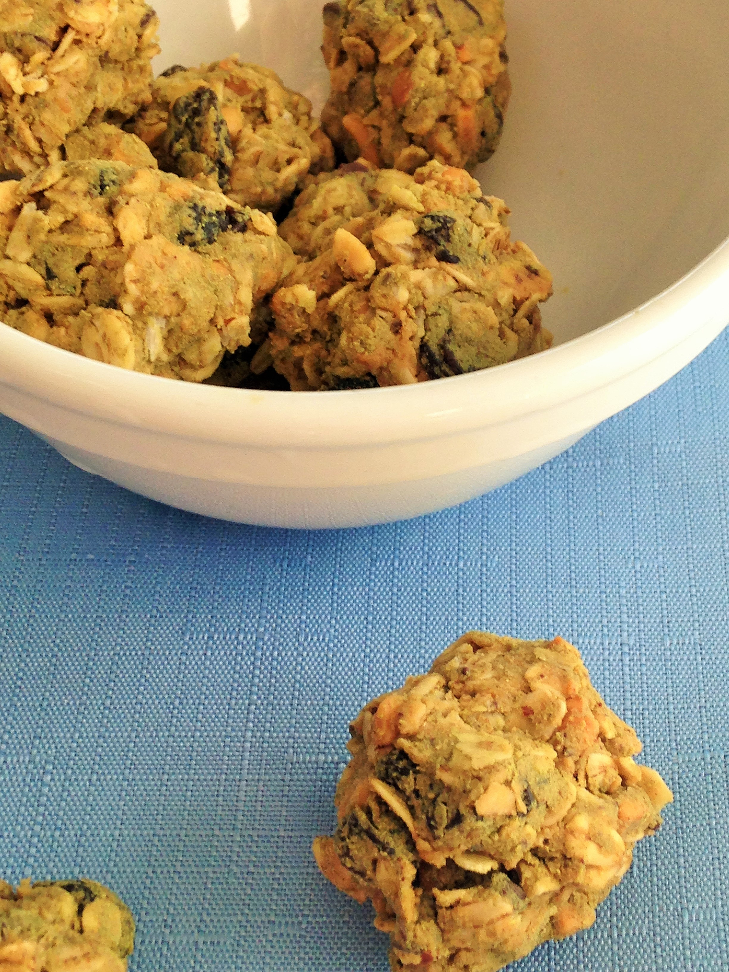 oatmeal chocolate chip bites with skoop A-Game
